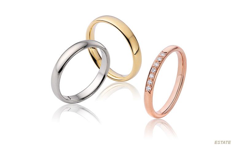 klassieke gladde trouwringen in goud met briljanten