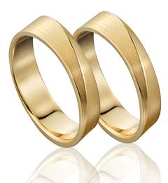Handgemaakte trouwringen van 14 karaat warmgeelgoud