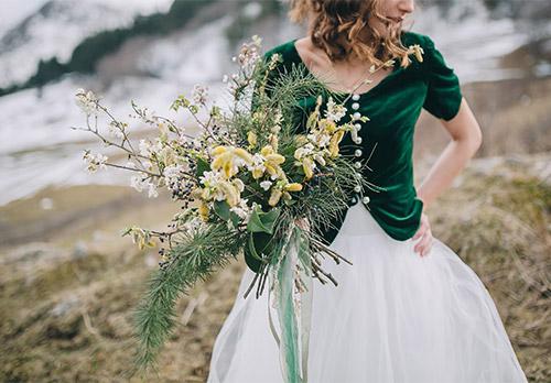 exclusieve bruidskleding in groen en wit