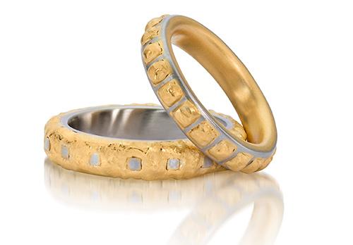 Speciale trouwringen van goud en staal